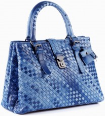 Женский портфель  Bottega Veneta Intrecciato Light Calf Roma Bag